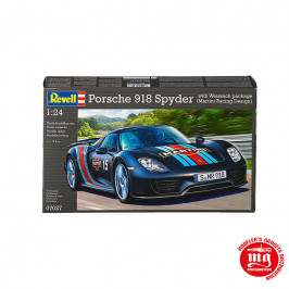 PORSCHE 918 SPYDER WITH WEISSACH PACKAGE MARTINI RACING DESIGN REVELL 07027