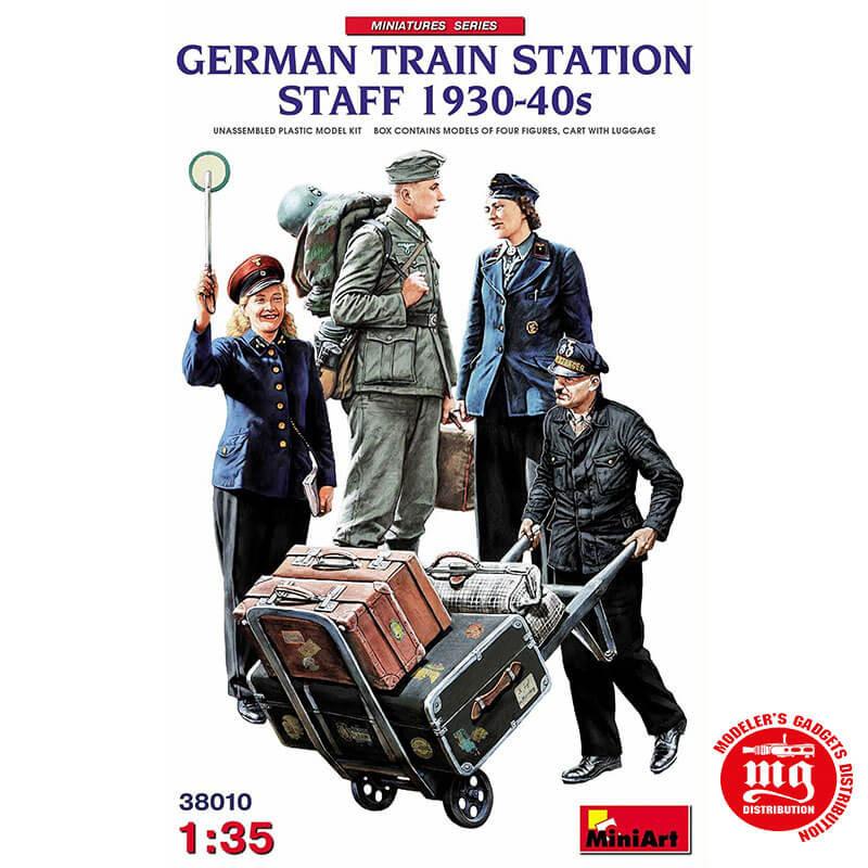 GERMAN TRAIN STATION STAFF 1930-40s MINIART 38010