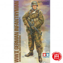 WWII GERMAN INFANTRYMAN REVERSIBLE WINTER UNIFORM TAMIYA 36304