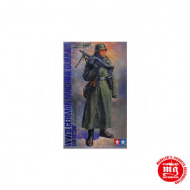 WWII GERMAN MACHINEGUNNER GREATCOAT TAMIYA 36306