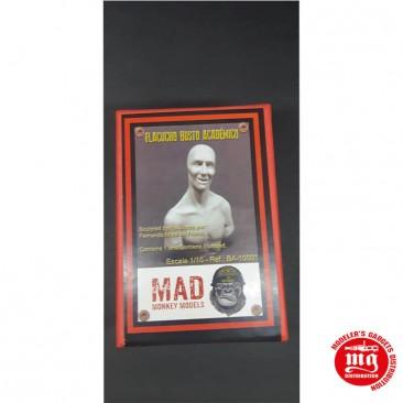 1/10 BUSTO ACADEMICO FLACUCHO MAD MONKEY MODEL