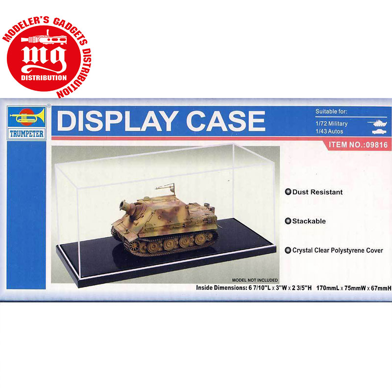 DISPLAY-EXPOSITOR-DE-MAQUETAS-TRUMPETER-09816